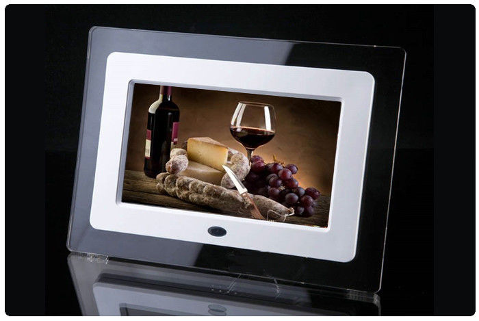 7 Inch IPS Screen High Resolution Digital Photo Frame 250-300cd/m2 Brightness